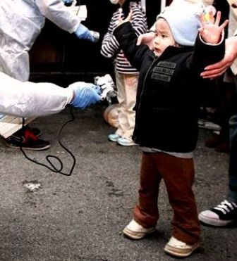 japanese-child-screened-radioactivity-fukushima2